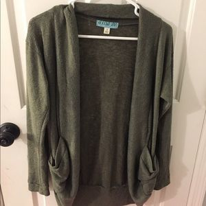 Beautiful green long sleeve cardigan